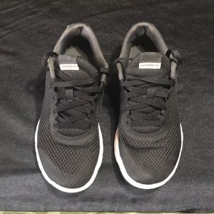 Nike Flex EXP Run Kids sz 4.5 Youth Blk/Gray/Wht